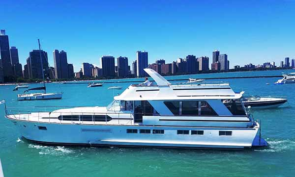 The Sophisticated Lady yacht charter cruise in Chicago